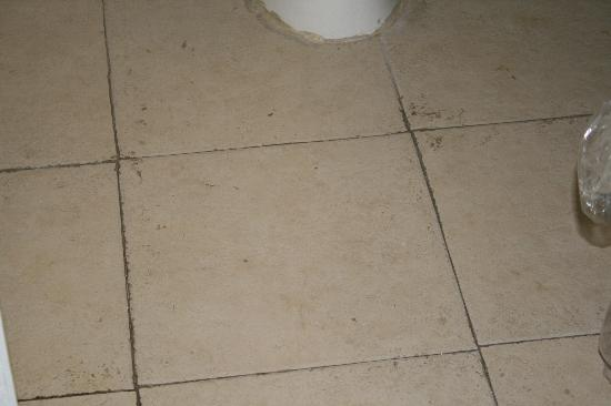 Days Inn Gallup: Bathroom floor