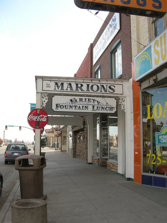 Roosevelt, UT: Marion' soda fountain