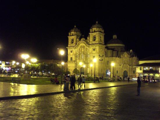 Amaru Hostal: Plaza de Armas