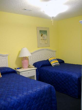 Plantation Resort: Guest bedroom in 2BR unit