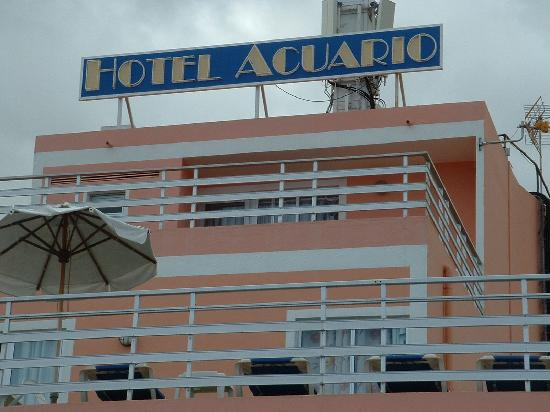 Globales Acuario: view from the front of the hotel