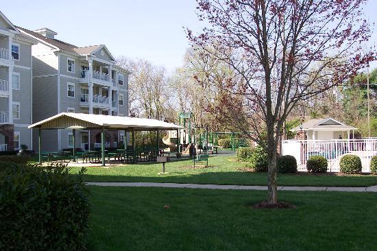 Wyndham Nashville: playground/shelter/pool
