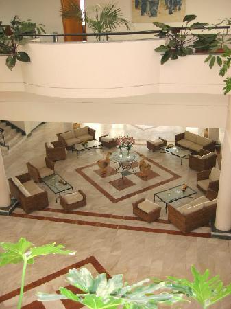 Nissi Beach Resort: Nissi Beach Holiday Resort foyer