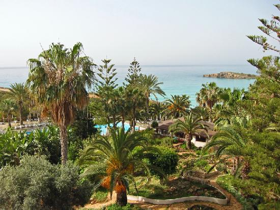 Nissi Beach Resort: The beautiful view from room 302