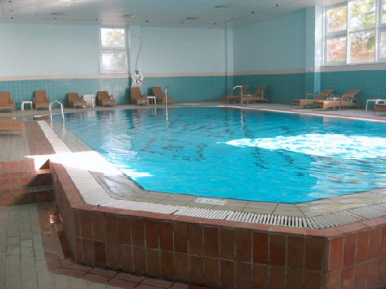 Nissi Beach Resort: The indoor pool