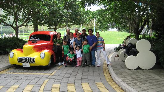 Another Classic Car Picture Of Disney S Hollywood Hotel Hong Kong