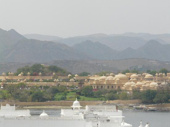 The Oberoi Udaivilas: Udaivilas from the City Palace (Lake Palace in foreground)