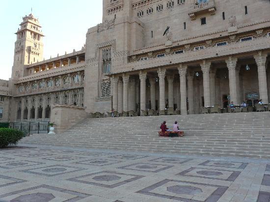 Umaid Bhawan Palace Jodhpur: Breakfast on the terrace