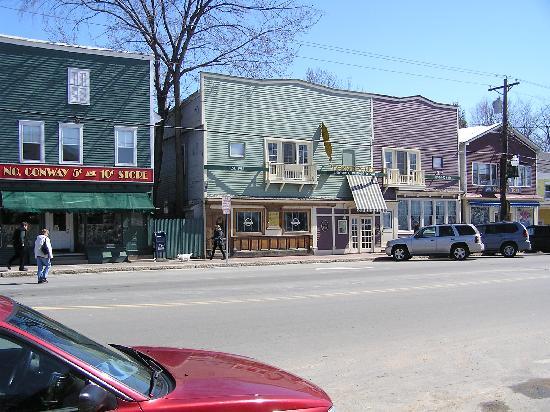 Quality Inn: les vieux magasins