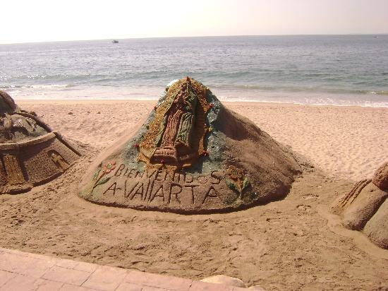 Villas Vallarta by Canto del Sol: sand castle