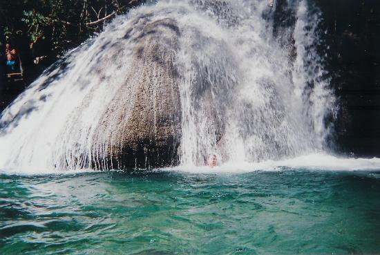 Magic Falls : the main falls