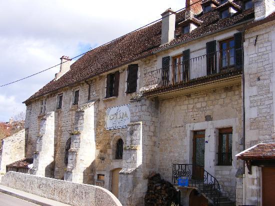 Auberge Les Tilleuls: Le Cellia Resaurant Vincelottes