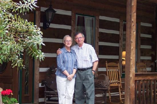 Hearthstone Lodge: Lamar and Glenda
