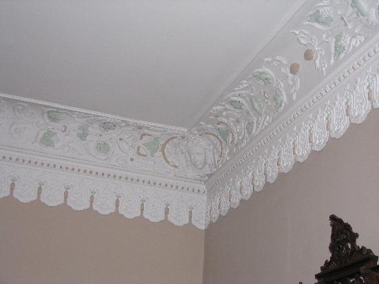 Casa dos Lagos: The ceiling
