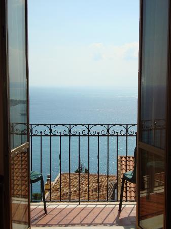 Elios Hotel: view onto the balcony