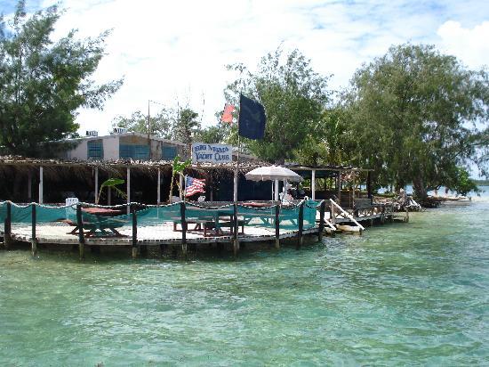 Pangaimotu Island Resort: Cafe from the wharf