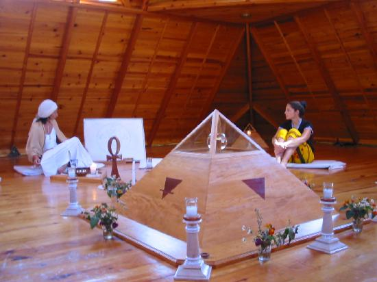 Las Piramides: One of the meditation sessions