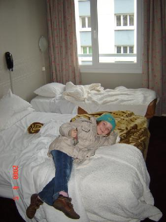 Hotel Alexandra: Une chambre propre et spacieuse