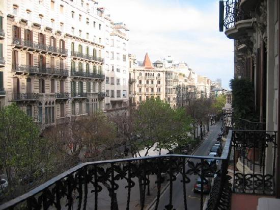 """Suite Gaudi Barcelona : Really far from the other """"Las Ramblas"""" but great area"""
