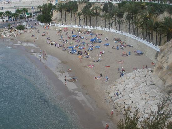 Servigroup Pueblo Benidorm : one of the many streaches of sandy beach