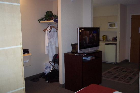 Holiday Inn Express Austin Airport: Spacious room