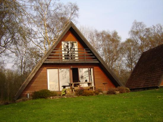 Lochend Chalets: Chalet from the shore