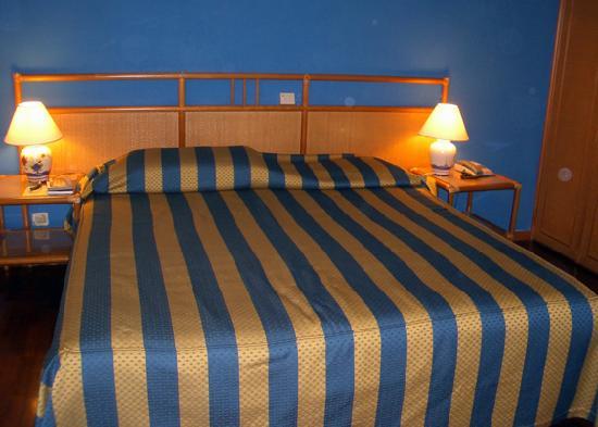Hotel Laurentia: habitacion