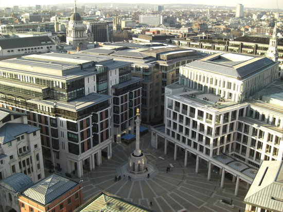 London, UK: Vista de la Plaza Paternoster desde la Catedral de San Pablo