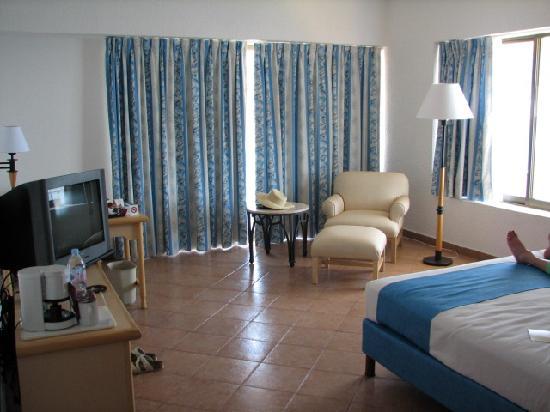 Holiday Inn Resort Acapulco: Fiesta Inn Acapulco deluxe room
