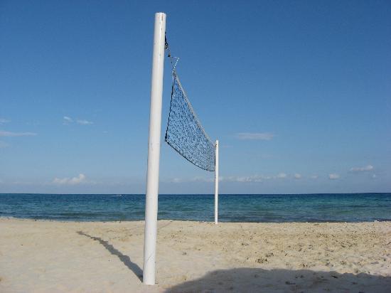 The Royal Haciendas All Suites Resort & Spa: RH Volleyball Net