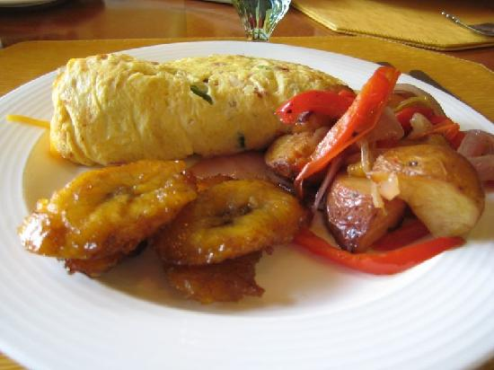 The Ritz-Carlton, Grand Cayman: Breakfast at the Ritz - Omelet , Potatoes, Plantain