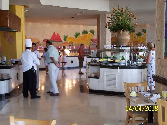 Park Royal Acapulco : Restaurant para desayunos y cenas Buffet