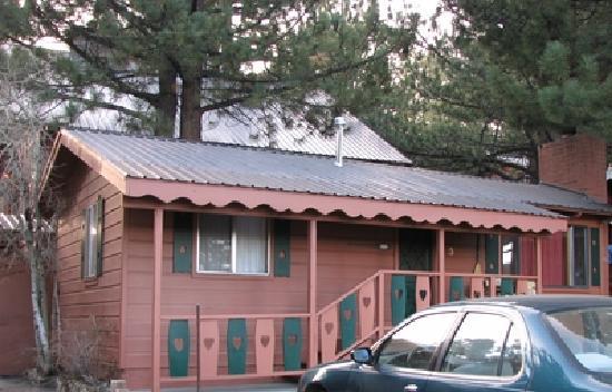Edelweiss Lodge: Cute cabins