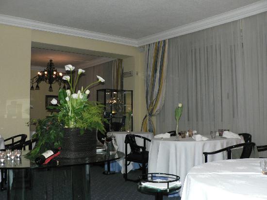 Il Sole Di Ranco : Salle à manger de l'excellent restaurant