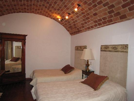 Parador Santa Maria la Real: Our Room With Vaulted Brick Ceiling