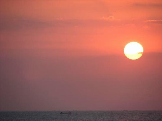 Kumala Hotel: Sunset