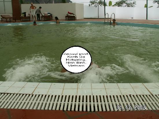 Public jacuzzi pool, Kenh Ga Hot Spring, Ninh Binh, Vietnam
