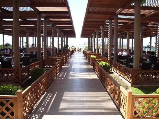 Voyage Belek Golf & Spa: Un des restaurants extérieurs