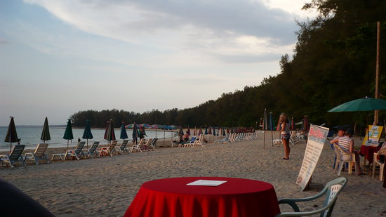Amphoe Thalang, Thailand: Nai Yang Beach, view from Mr Kobi's Bar