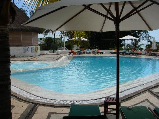 the swimming pool jacuzzi picture of casuarina resort. Black Bedroom Furniture Sets. Home Design Ideas