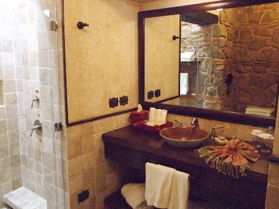 El Convento Boutique Hotel: Bathroom