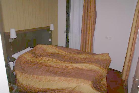 Appart'City Confort Lyon Vaise : bedroom - unremarkable