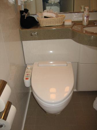 Hotel Sunroute Plaza Shinjuku: Toilet