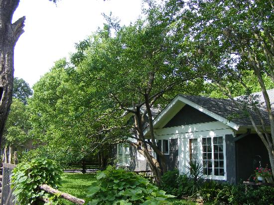 1110 Carriage House Inn: Guest House