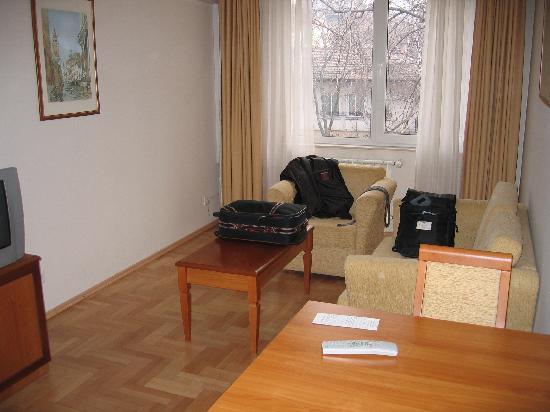Dunav Apartment House: Living Room