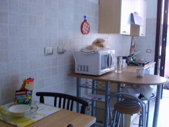 Casa Rosada Alghero: The kitchen