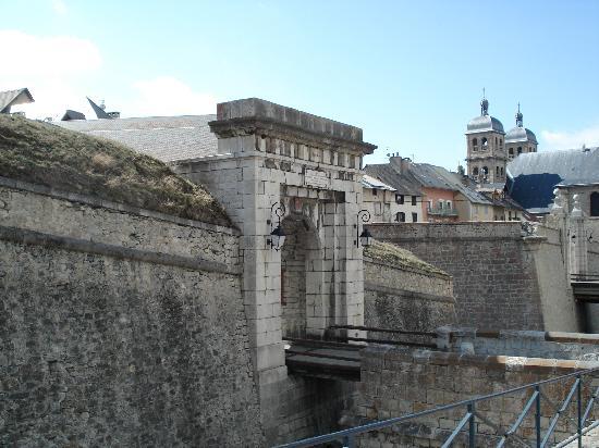 Briancon, France: Antica porta della cité Vauban