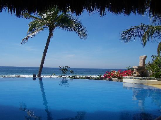 Casa Manzanillo: Infinity Pool