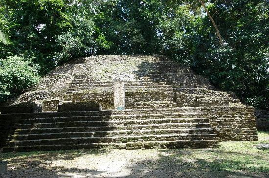 Pelican Reef Villas Resort : Mayan Temple