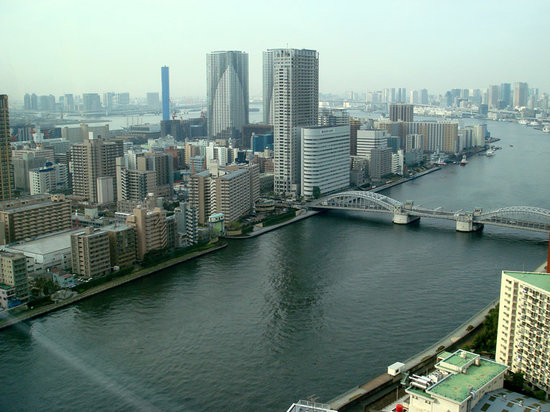 Ginza Creston Hotel: View to South (with Tokyo Bay in background), from Breakfast restuarant on 32nd